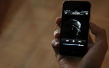 Un hommage sliencieux de 8 secondes pour Steve Jobs